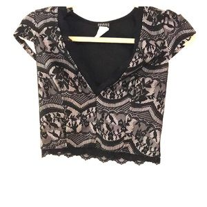 Tops - Lace cropped top